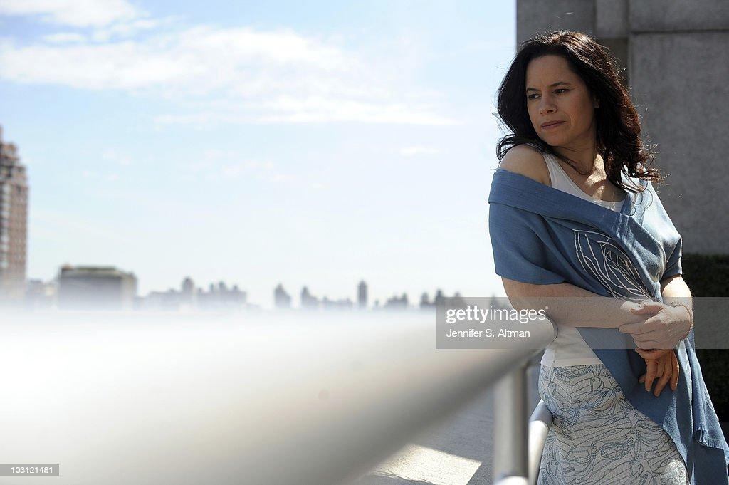 Natalie Merchant, Los Angeles Times, April 13, 2010 : News Photo