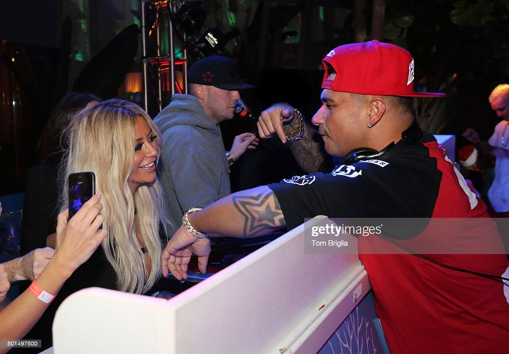 Pauly D Visits The Pool After Dark : News Photo