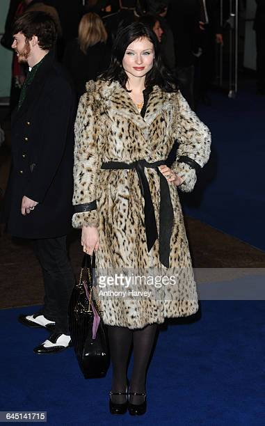 Singer Sophie EllisBextor attends the 'Avatar' Premiere at the Odeon Cinema Leicester Square on December 10 2009 in London