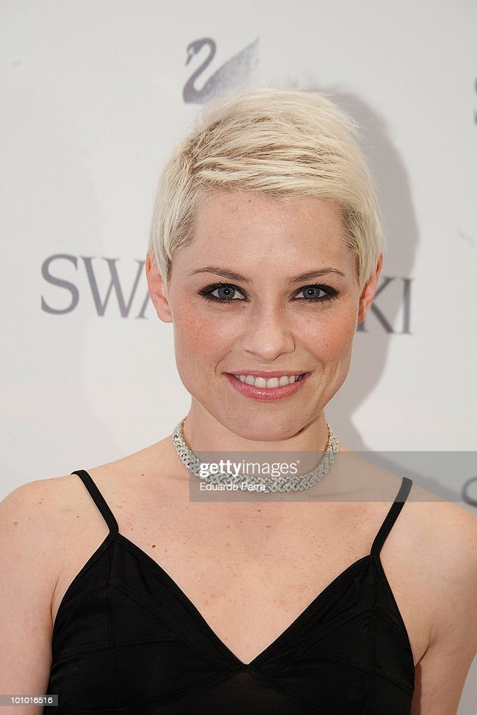 Singer Soraya Arnelas attends Swarovski new boutique opening photocall at Swarovski boutique Gran Via 39 on May 27, 2010 in Madrid, Spain.