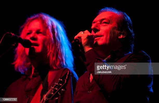 Singer Stefan Zauner and guitarist Aron Strobel of the German pop band Muenchener Freiheit perform live during a concert at the Tempodrom on November...