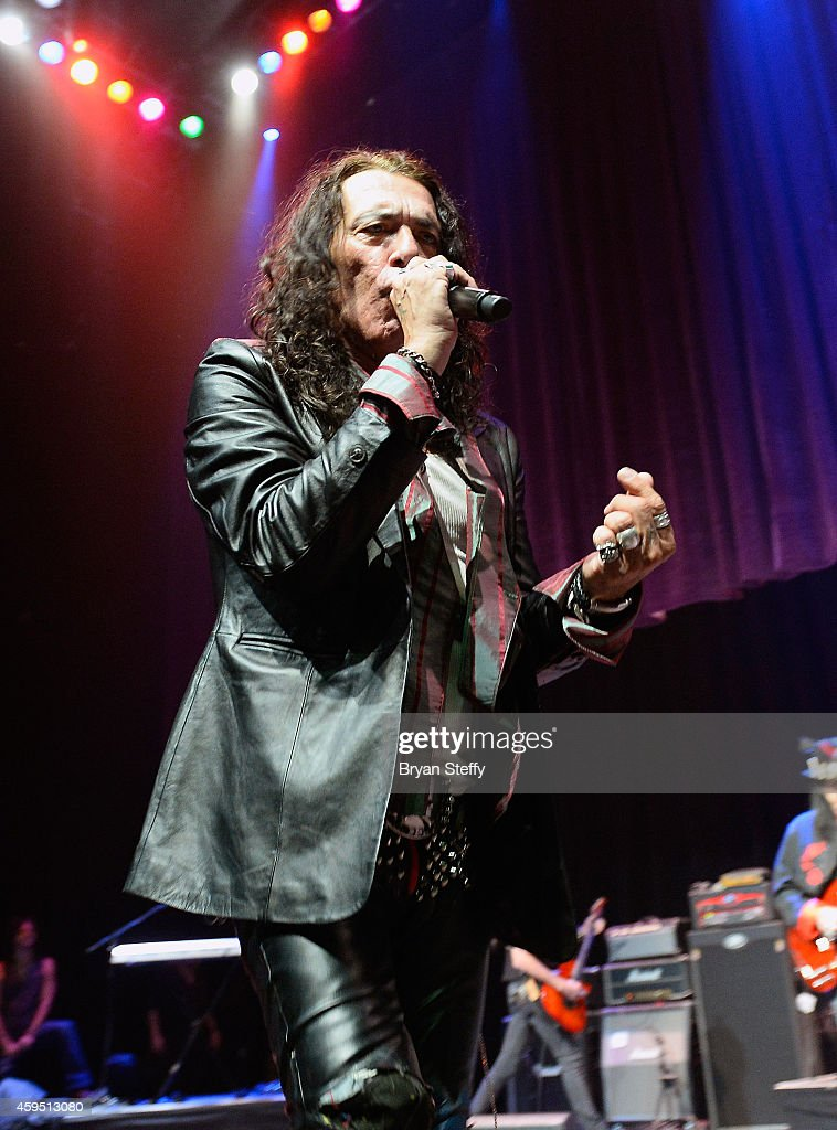 Singer Stephen Pearcy performs during The 5th annual Vegas Rocks! Magazine Music Awards at The Pearl Concert Theater at the Palms Casino Resort on November 23, 2014 in Las Vegas, Nevada.