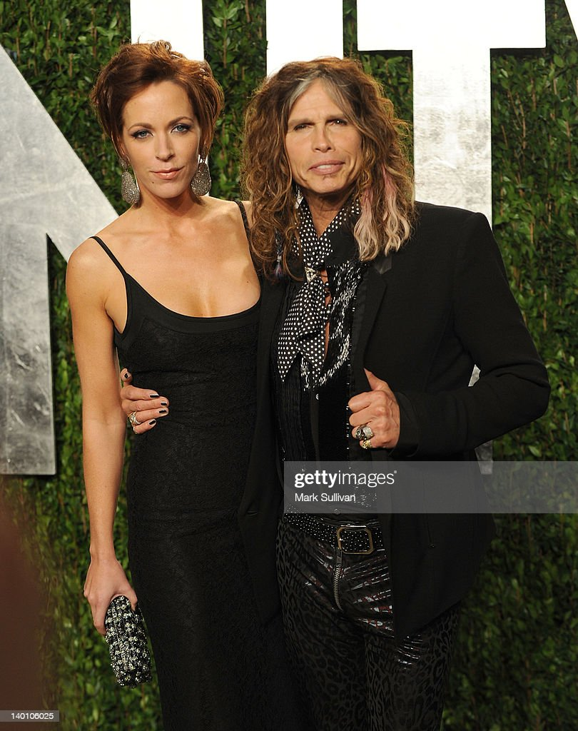 2012 Vanity Fair Oscar Party Hosted By Graydon Carter - Arrivals : News Photo
