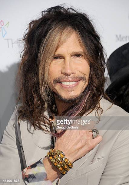 Singer Steven Tyler of Aerosmith arrives at The Art of Elysium's 7th Annual HEAVEN Gala at the Guerin Pavilion at the Skirball Cultural Center on...
