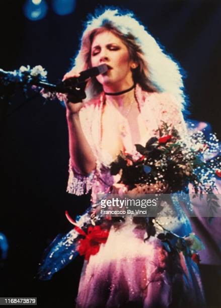 Singer Stevie Nicks poses for a portrait at the Wilshire Ebell Theatre circa 1981 in Los Angeles, California for an HBO TV special.