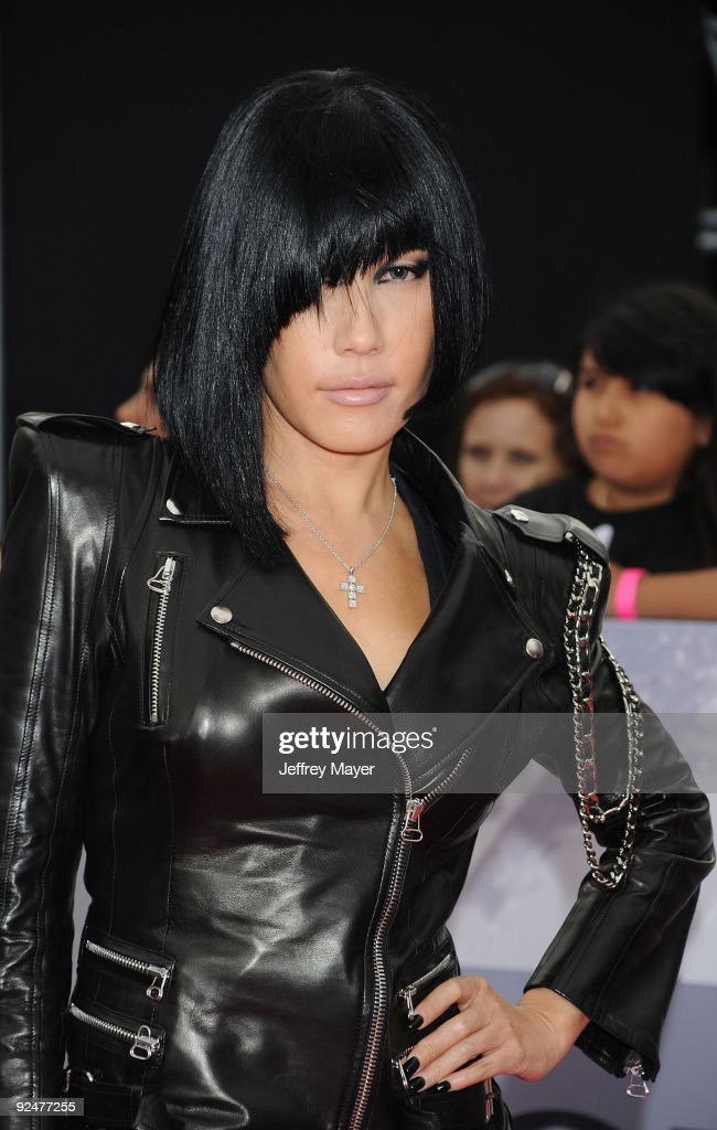 Singer Sun arrives at the Los Angeles Premiere of 'This Is It' held at Nokia Theatre L.A. Live on October 27, 2009 in Los Angeles, California.