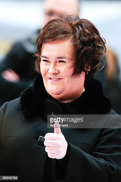 Singer Susan Boyle performs at the 'Today' show at the NBC Studios on November 23 2009 in New York City