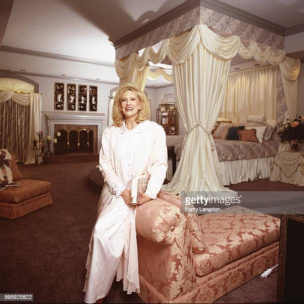 Tammy Wynette Stock Photos And Pictures Getty Images