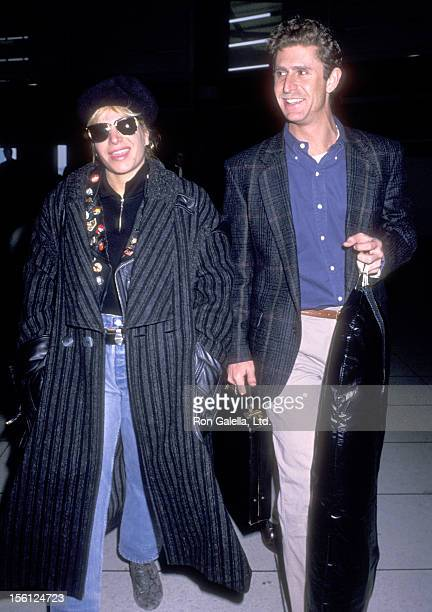 Singer Taylor Dayne on January 27 1989 arrives at Los Angeles International Airport in Los Angeles California