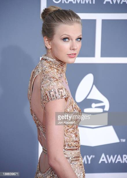 Singer Taylor Swift arrives at 54th Annual GRAMMY Awards held the at Staples Center on February 12, 2012 in Los Angeles, California.