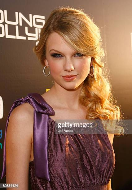 Singer Taylor Swift arrives at Hollywood Life Magazines 10th Annual Young Hollywood Awards at the Avalon on April 27 2008 in Los Angeles California