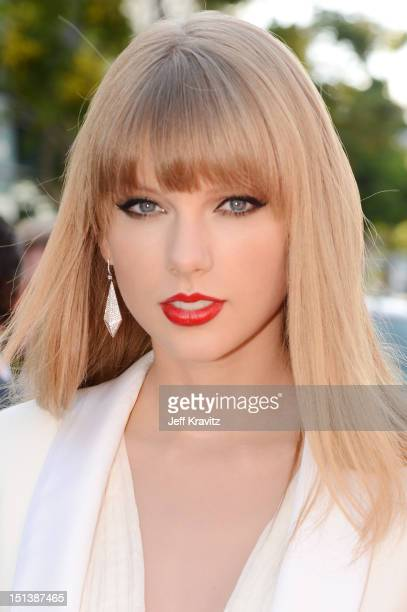 Singer Taylor Swift arrives at the 2012 MTV Video Music Awards at Staples Center on September 6 2012 in Los Angeles California