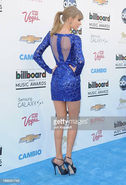 Singer Taylor Swift arrives at the 2013 Billboard Music Awards at MGM Grand Hotel Casino on May 19 2013 in Las Vegas Nevada