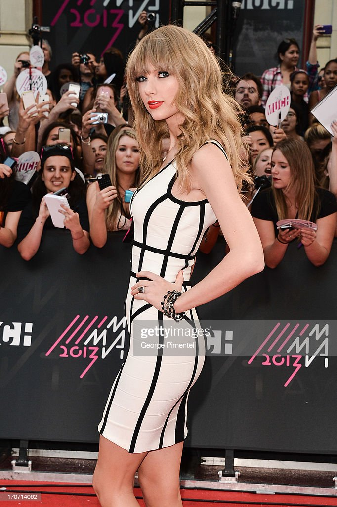 Singer Taylor Swift arrives at the 2013 MuchMusic Video Awards at MuchMusic HQ on June 16, 2013 in Toronto, Canada.