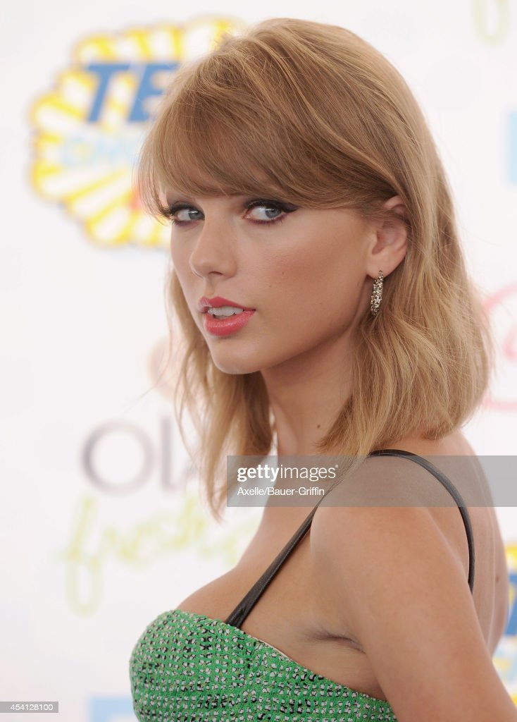 Teen Choice Awards 2014 - Arrivals : Nachrichtenfoto
