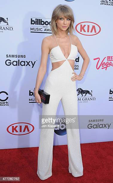 Singer Taylor Swift arrives at the 2015 Billboard Music Awards at MGM Garden Arena on May 17, 2015 in Las Vegas, Nevada.