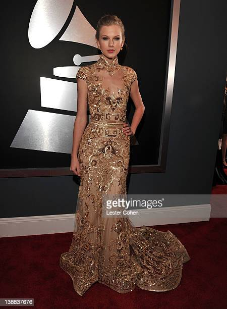 Singer Taylor Swift arrives at The 54th Annual GRAMMY Awards at Staples Center on February 12, 2012 in Los Angeles, California.