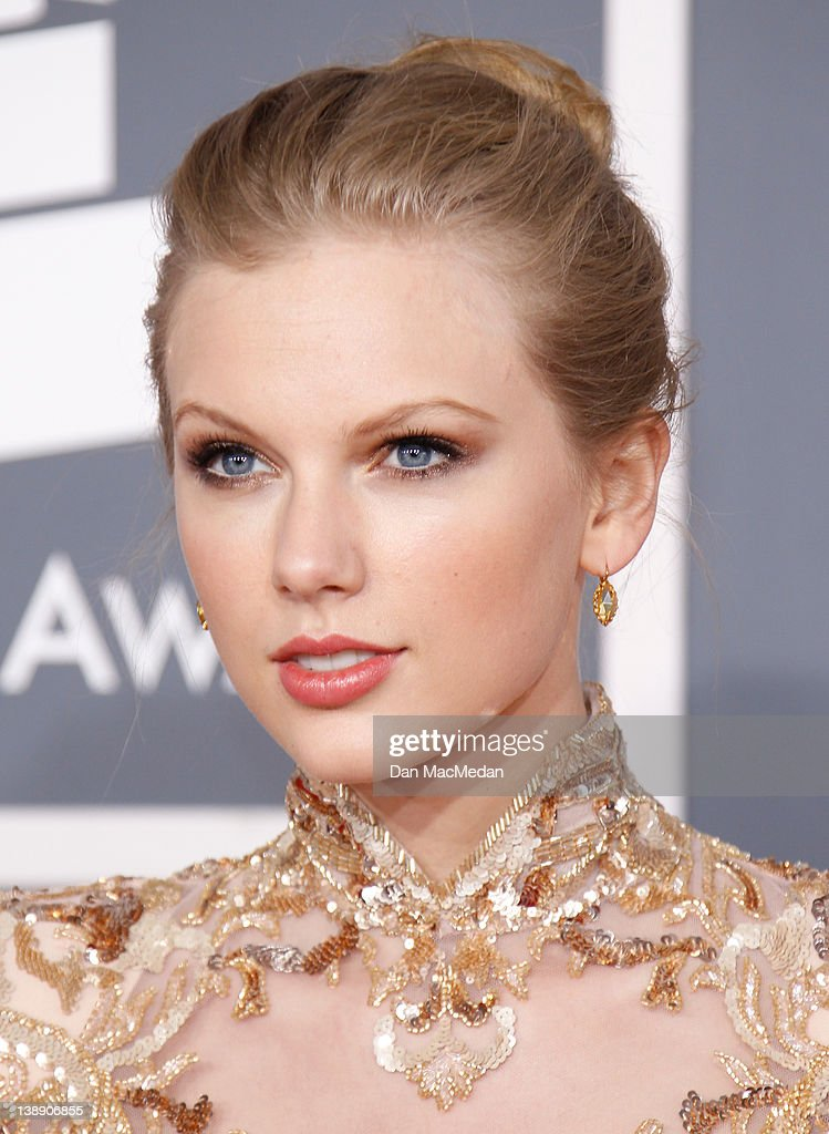 54th Annual GRAMMY Awards - Arrivals : News Photo