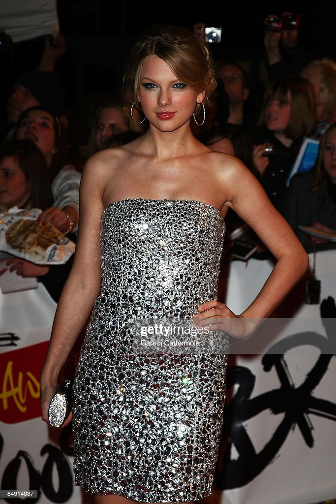 Singer Taylor Swift Arrives At The Brit Awards 2009 At Earls Court On News Photo Getty Images