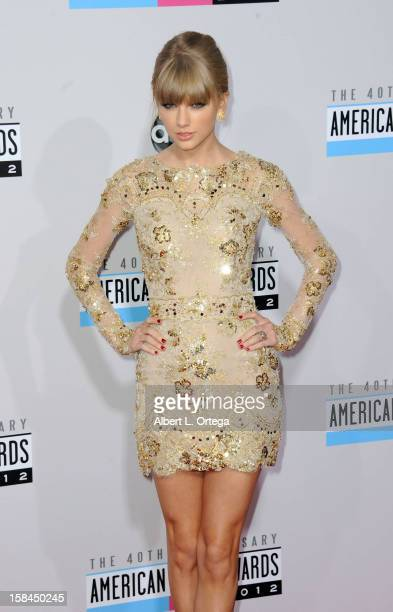 Singer Taylor Swift arrives for the 40th Anniversary American Music Awards Arrivals held at Nokia Theater LA Live on November 18 2012 in Los Angeles...