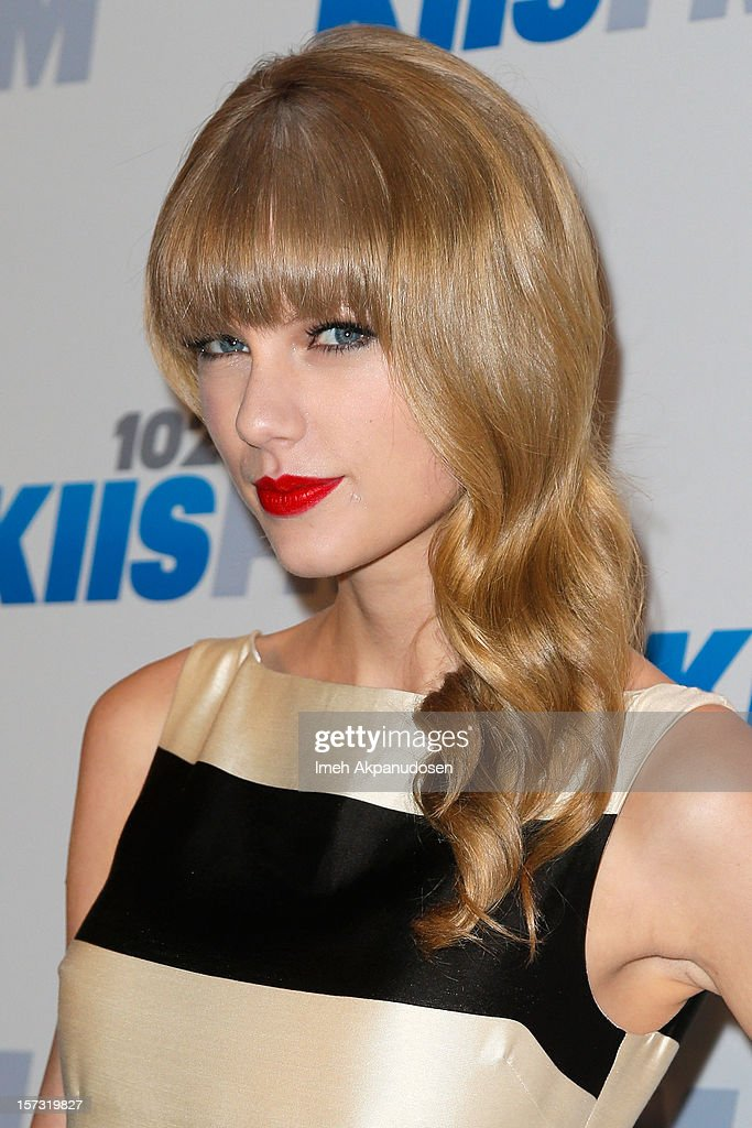 Singer Taylor Swift attends KIIS FM's 2012 Jingle Ball at Nokia Theatre L.A. Live on December 1, 2012 in Los Angeles, California.