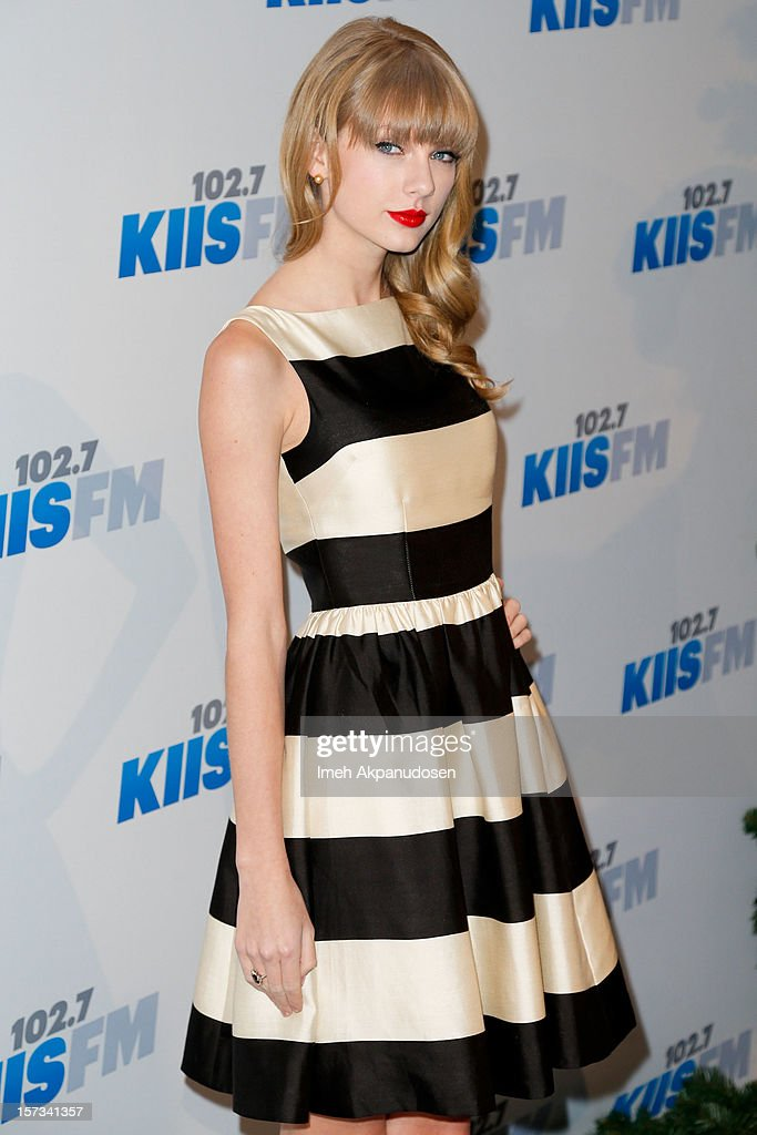 KIIS FM's 2012 Jingle Ball - Night 1 - Arrivals : News Photo