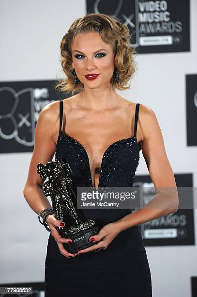 Singer Taylor Swift attends the 2013 MTV Video Music Awards at the Barclays Center on August 25 2013 in the Brooklyn borough of New York City