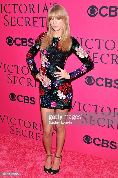 Singer Taylor Swift attends the 2013 Victoria's Secret Fashion Show at Lexington Avenue Armory on November 13 2013 in New York City