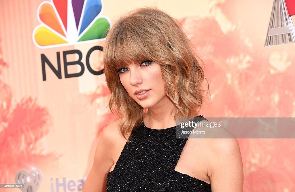 2015 iHeartRadio Music Awards On NBC - Arrivals : ニュース写真