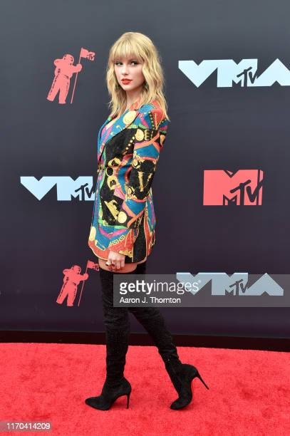 Singer Taylor Swift attends the 2019 MTV Video Music Awards red carpet at Prudential Center on August 26 2019 in Newark New Jersey
