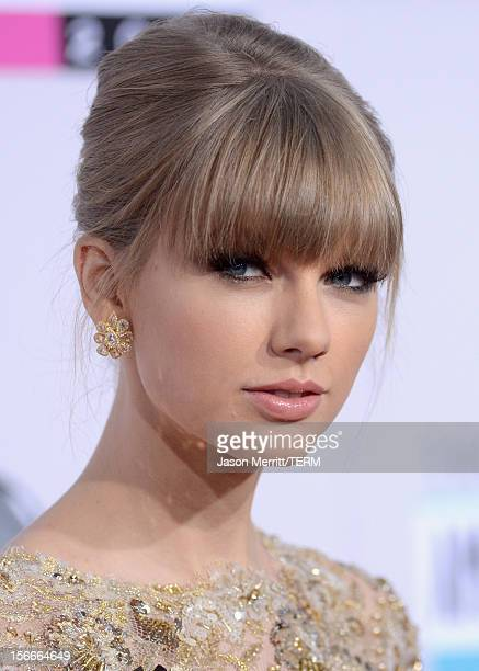 Singer Taylor Swift attends the 40th American Music Awards held at Nokia Theatre LA Live on November 18 2012 in Los Angeles California