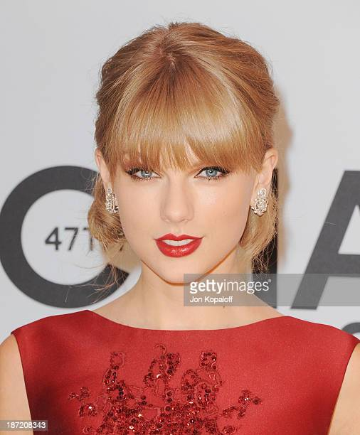 Singer Taylor Swift attends the 47th annual CMA Awards at the Bridgestone Arena on November 6 2013 in Nashville Tennessee