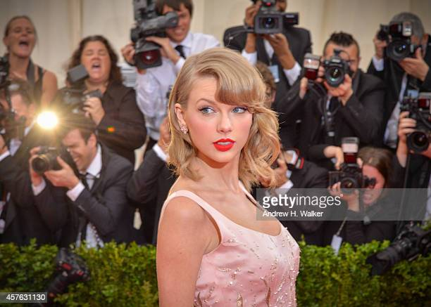 Singer Taylor Swift attends the Charles James Beyond Fashion Costume Institute Gala at the Metropolitan Museum of Art on May 5 2014 in New York City
