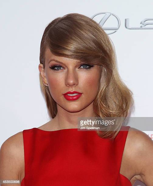 Singer Taylor Swift attends The Giver premiere at Ziegfeld Theater on August 11 2014 in New York City
