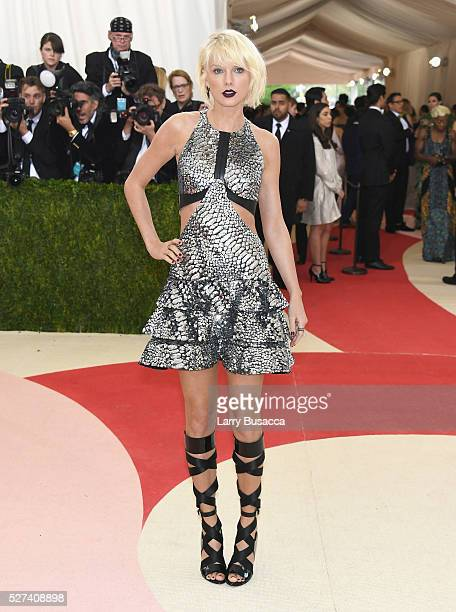 Singer Taylor Swift attends the 'Manus x Machina Fashion In An Age Of Technology' Costume Institute Gala at Metropolitan Museum of Art on May 2 2016...