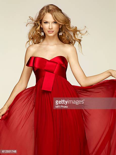 Singer Taylor Swift is photographed for People Magazine on December 10 2009 in New York City PUBLISHED IMAGE