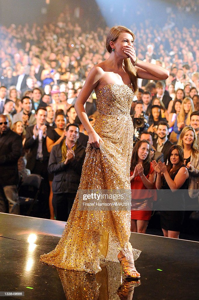 Singer Taylor Swift onstage at the 2011 American Music Awards held at Nokia Theatre L.A. LIVE on November 20, 2011 in Los Angeles, California.