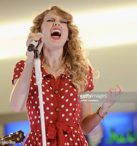 Singer Taylor Swift performs live for JetBlue Airways at JFK Airport on October 27 2010 in New York City