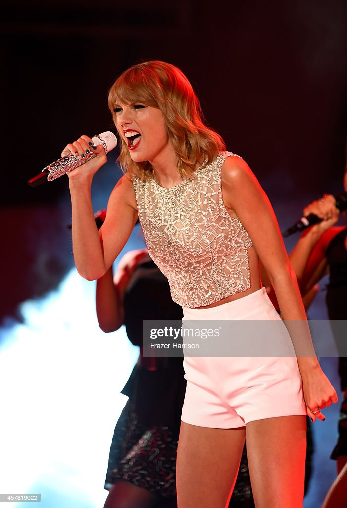 Singer Taylor Swift performs onstage during CBS Radio's We Can Survive at the Hollywood Bowl (presented by 5 Hour Energy) on October 24, 2014 in Los Angeles, California.