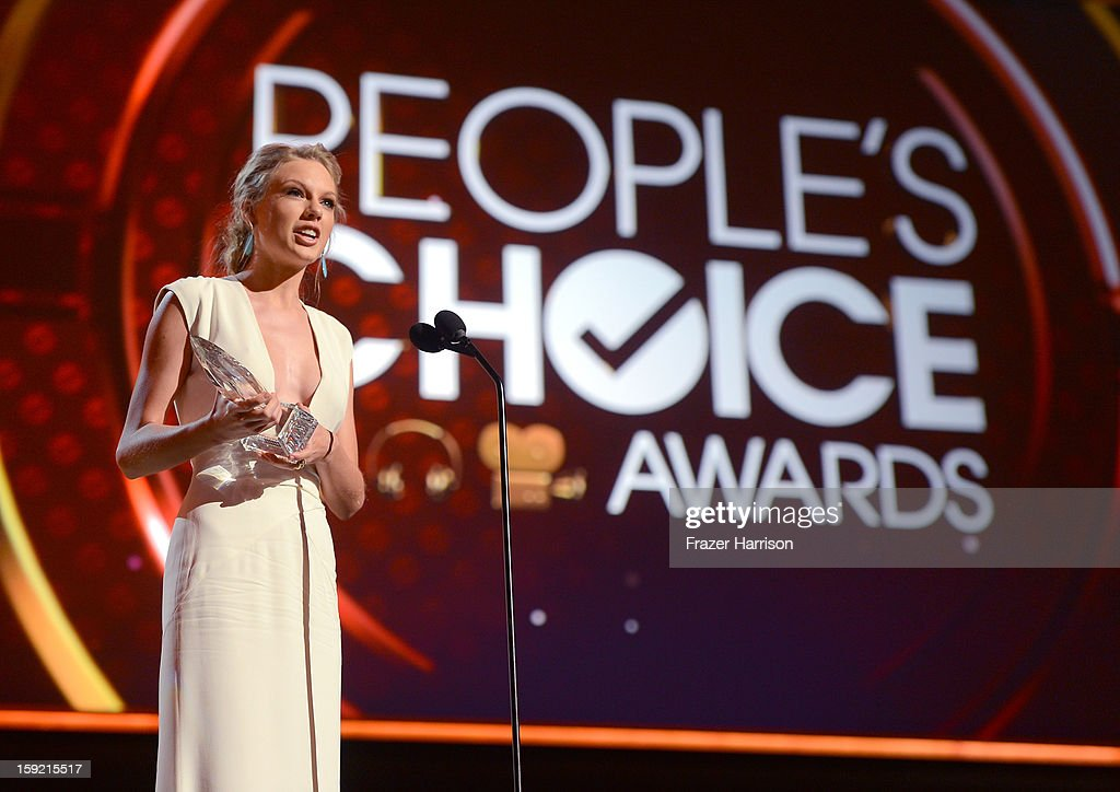 Singer Taylor Swift, winner of Favorite Country Artist Award speaks onstage at the 39th Annual People's Choice Awards at Nokia Theatre L.A. Live on January 9, 2013 in Los Angeles, California.