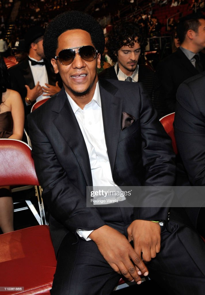 *EXCLUSIVE* Singer Tego Calderon poses backstage at the 9th Annual Latin GRAMMY Awards held at the Toyota Center on November 13, 2008 in Houston, Texas.
