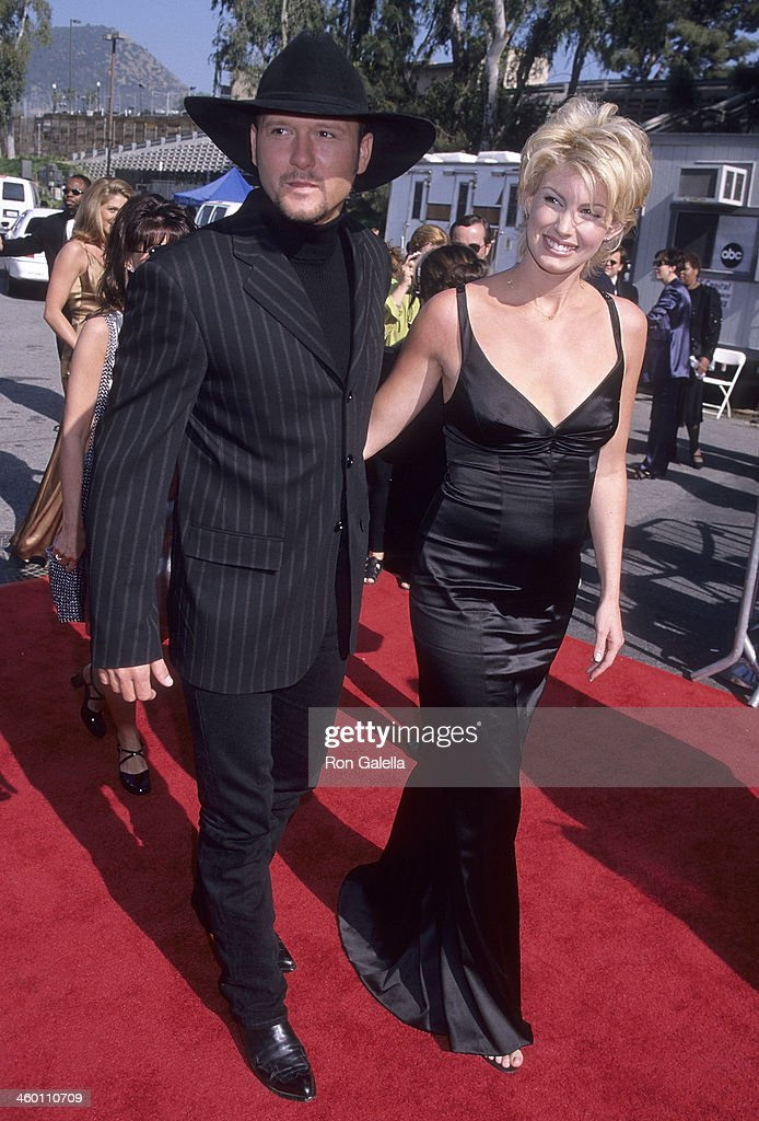 Singer Tim McGraw and singer Faith Hill attend the 33rd Annual Academy of Country Music Awards on April 22, 1998 at Universal Amphitheatre in Universal City, California.