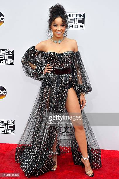Singer Tinashe arrives at the 2016 American Music Awards at Microsoft Theater on November 20 2016 in Los Angeles California