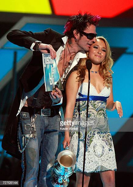 Singer Tommy Lee and actress Hayden Panettiere present the award for Big Music Artist onstage during the VH1 Big in '06 Awards held at Sony Studios...