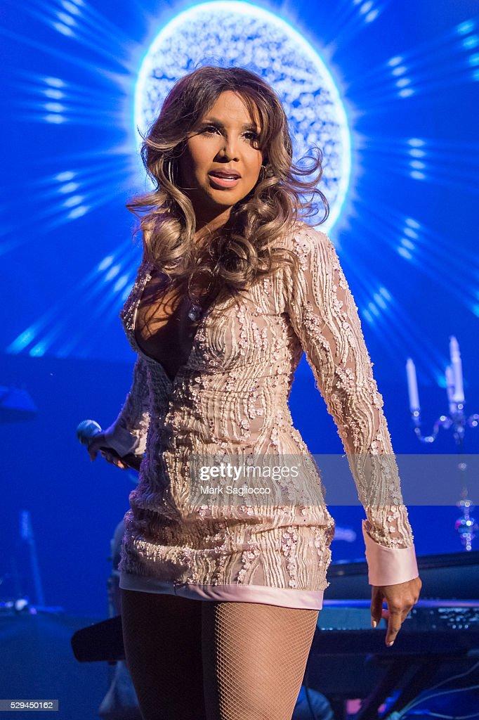 Artist Spotlight: Toni Braxton With Andra Day - 2016 Grammy Park In Brooklyn : News Photo