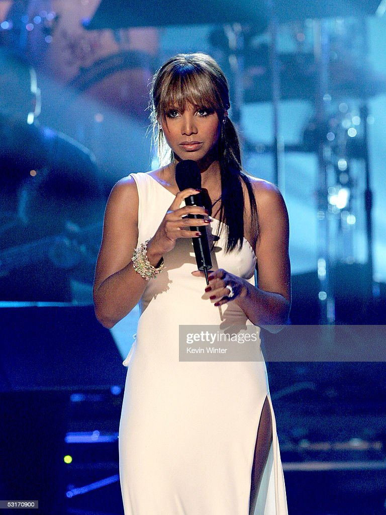 Singer Toni Braxton performs onstage at the BET Awards 05 at the Kodak Theatre on June 28, 2005 in Hollywood, California.