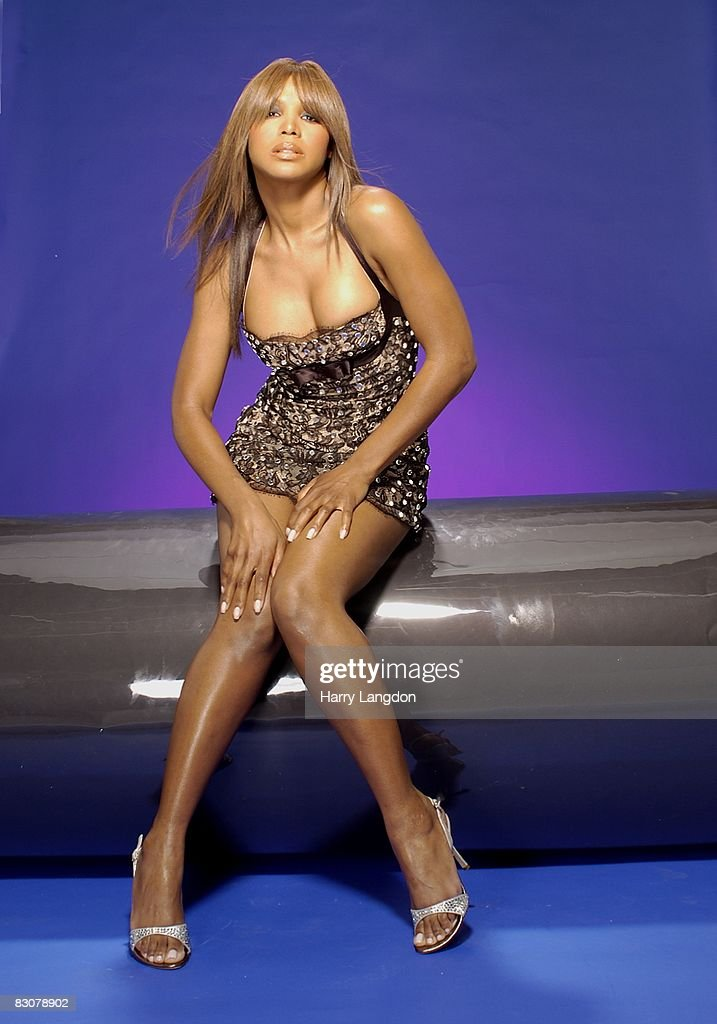 Singer Toni Braxton poses for a portrait on April 29 2005 in Los Angeles, California.