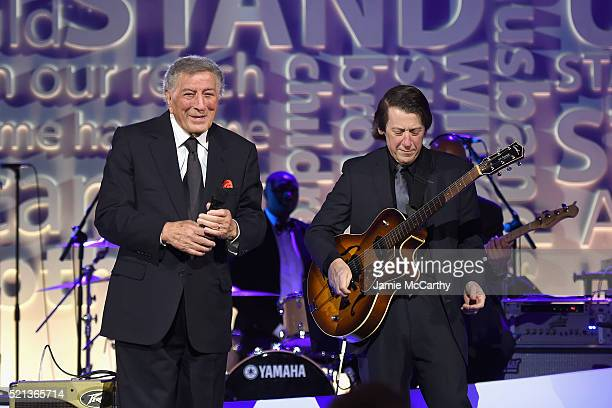 Singer Tony Bennett and guitarist Gray Sargent perform onstage during Stand Up To Cancer's New York Standing Room Only presented by Entertainment...