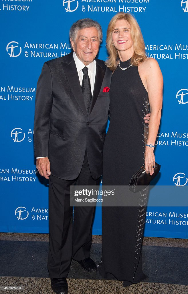 Singer Tony Bennett (L) and Susan Bennett attend the 2015 American Museum Of Natural History Museum Gala at American Museum of Natural History on November 19, 2015 in New York City.