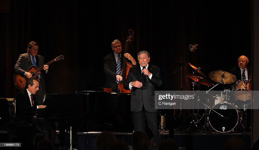 singer tony bennett performs private valentines day concert for the cardiology division of the ucsf department - Valentines Day Concert